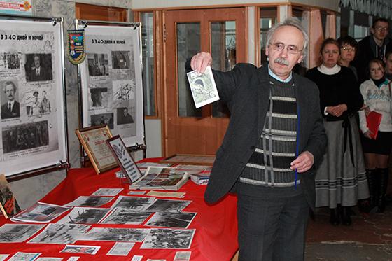 Научный сотрудник музея Александр Островский