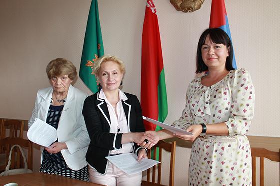 На снимке: Нина Лукьянова, Жанна Филиппова и Ксения Коробач