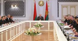 На фото: Президент Беларуси Александр Лукашенко 20 октября на совещании по актуальным вопросам развития страны
