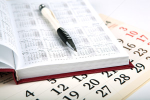 4755656_stock-photo-calendar-days-with-numbers-and-pen