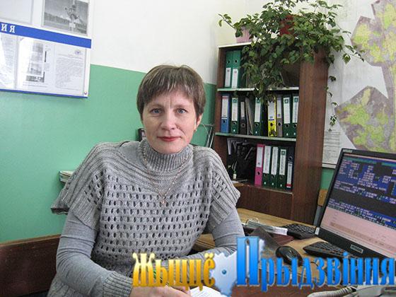 На снимке: диспетчер Светлана Бацала