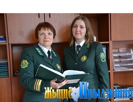 На снимке: Марина Кривко и Елена Шумская