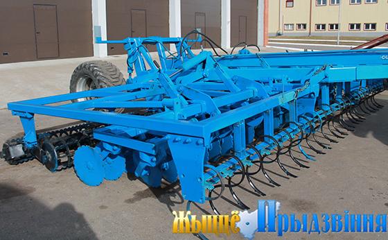 На снимке: прицепная почвообрабатывающая техника для проведения весенне-полевых работ готова