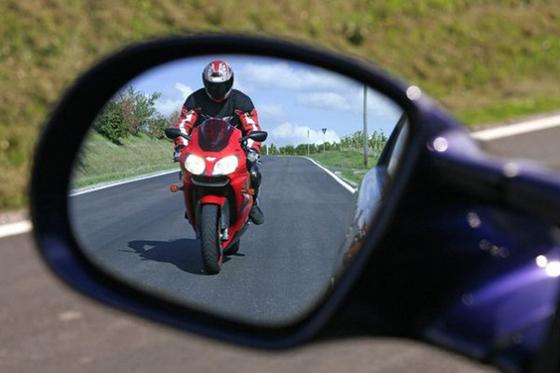 Госавтоинспекция усилила контроль за водителями мотоциклов, мопедов и других механических транспортных средств