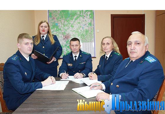 На снимке: Александр Филимонов, Елизавета Осипенко, Михаил Шестопалов, Наталья Борисенко и Алексей Багдасарян