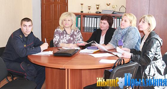 На снимке:  члены совета ОПОП