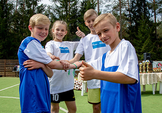 Белорусские школьники приняли участие в финальных мероприятиях международной детской социальной программы «Футбол для дружбы» в Москве