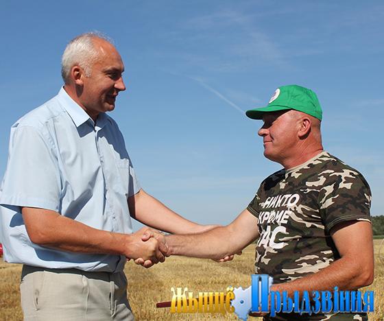 На отлично сдали  экзамен  на хлебном  поле  труженики  филиала  СХП  «Мазоловогаз» Витебского района