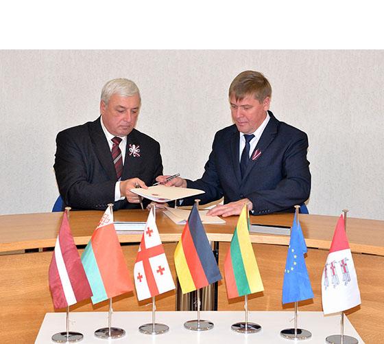 Обновленный договор о сотрудничестве подписан между Витебским районом и Даугавпилсским краем Латвийской Республики