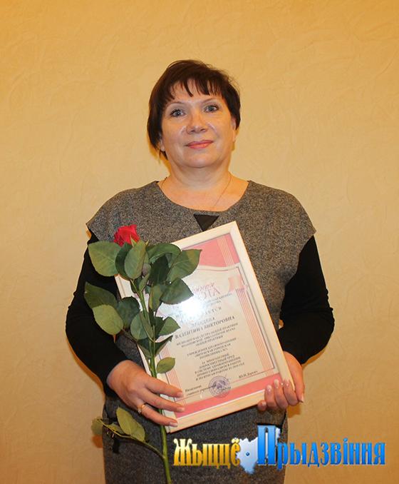 Тридцать пять лет служит людям в системе здравоохранения медсестра Мазоловской амбулатории врача общей практики Витебского района Валентина Лебедева