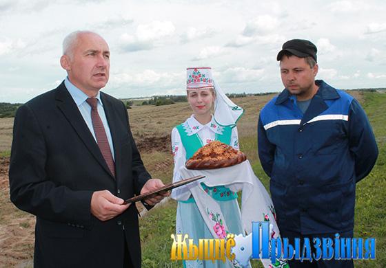 В Витебском районе появился первый «двухтысячник» на уборке зерна