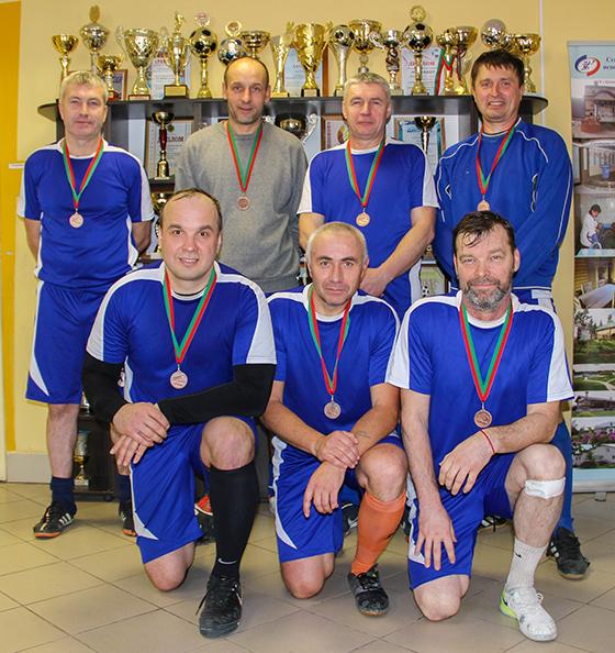 Десятый открытый турнир по мини-футболу среди ветеранов данного вида спорта прошел на базе ФСК «Урожай»