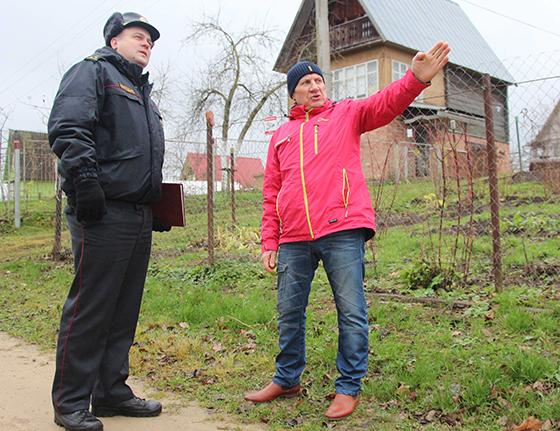 На снимке: заинтересованный диалог Виталия Шилко и Николая Жука.