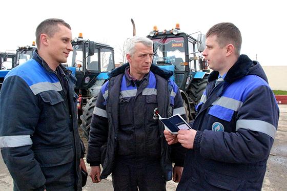 На снимке:  Денис Постарнаков, Петр Семченко и Роман Хашковский.