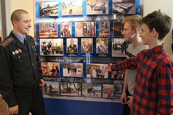 На снимке: Алексей Савченко — пример для своих подопечных.