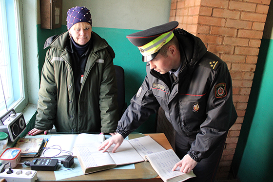 Сотрудники Витебского РОВД контролируют подготовку АПК к посевной