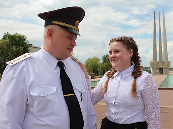 На снимке: Александр Войтов с дочерью Яной.