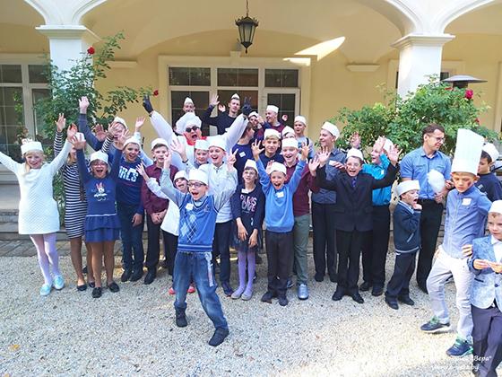 Центр помощи «Вера» приглашает принять участие в благотворительной акции «Соберем детей в школу вместе!»