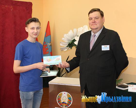 В деревне Старое Село Витебского района участок для голосования № 13 разместился в помещении местной средней школы