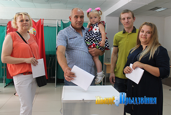 Большинство избирателей Витебского района проголосовали за мирную жизнь и стабильность в стране