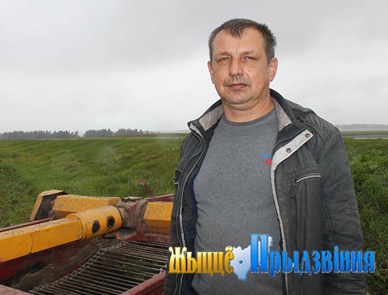 Не понаслышке о сложностях работы в сельском хозяйстве знает тракторист-машинист УП «Рудаково» Витебского района Николай Шушкевич
