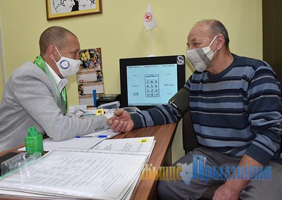 Уникальный аппаратно-программный комплекс-цифровой тест «На здоровье!» появился в отделении социальной реабилитации для граждан пожилого возраста и инвалидов в аг. Кировская Витебского района