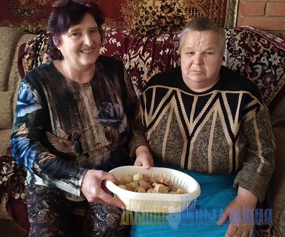 Любящую семью на склоне лет обрела жительница г. п. Сураж Витебского района Галина Золотая