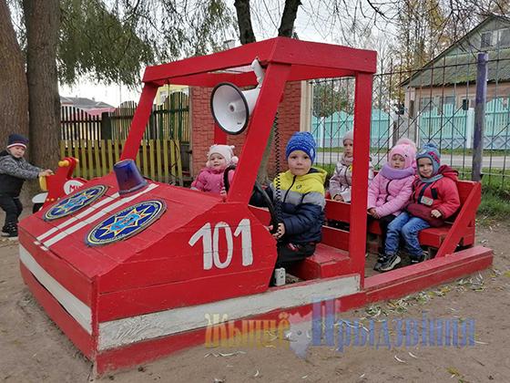 Мини-центр безопасности построили сотрудники РОЧС для самых юных  жителей аг. Новка Витебского района