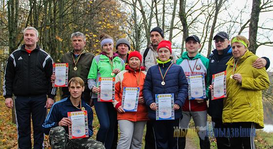 В Лужеснянском дендропарке Витебского района прошли соревнования по легкоатлетическому кроссу